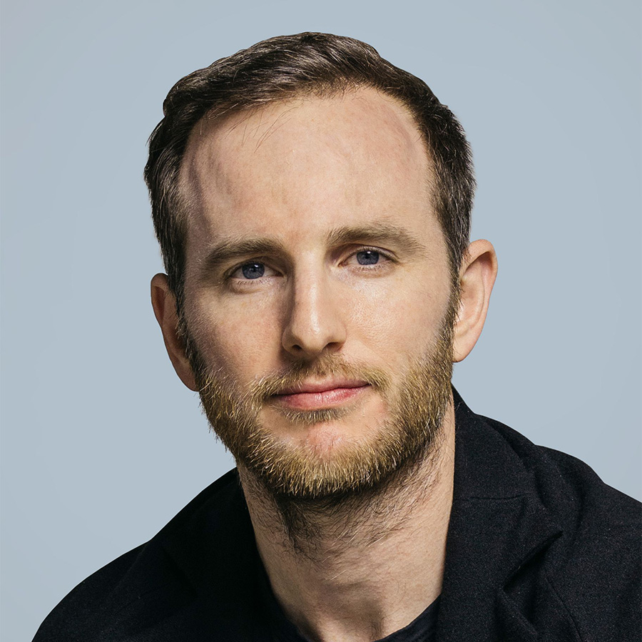 joe-gebbia-headshot-2-thumbnail