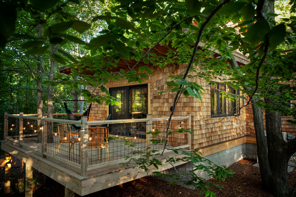 Exterior view of the Dreamy Secluded Luxury Treehouse in Upper Peninsula, Michigan